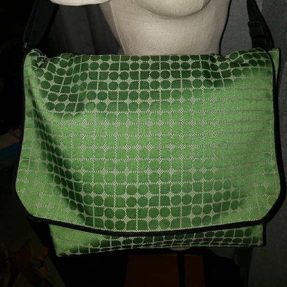 kate spade Handbags - Kate Spade Purse/baby/diaper bag